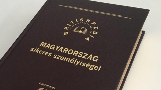 A British Enciklopédia két egymást követő kötetében is!